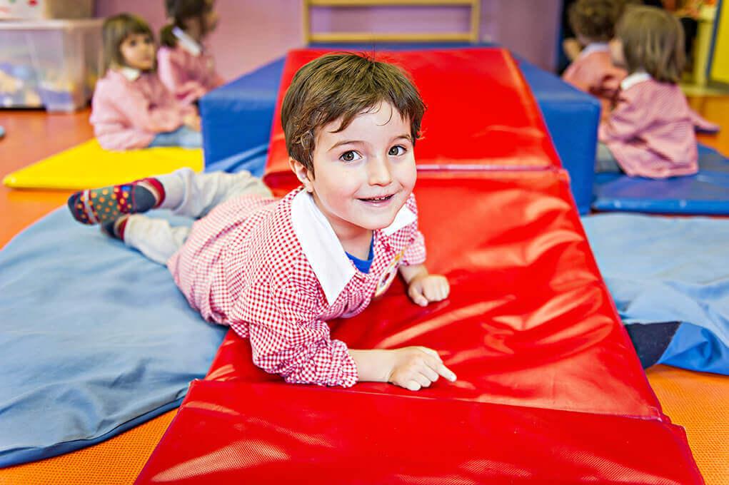 È cura della Scuola, promuovere il benessere psicofisico del bambino.